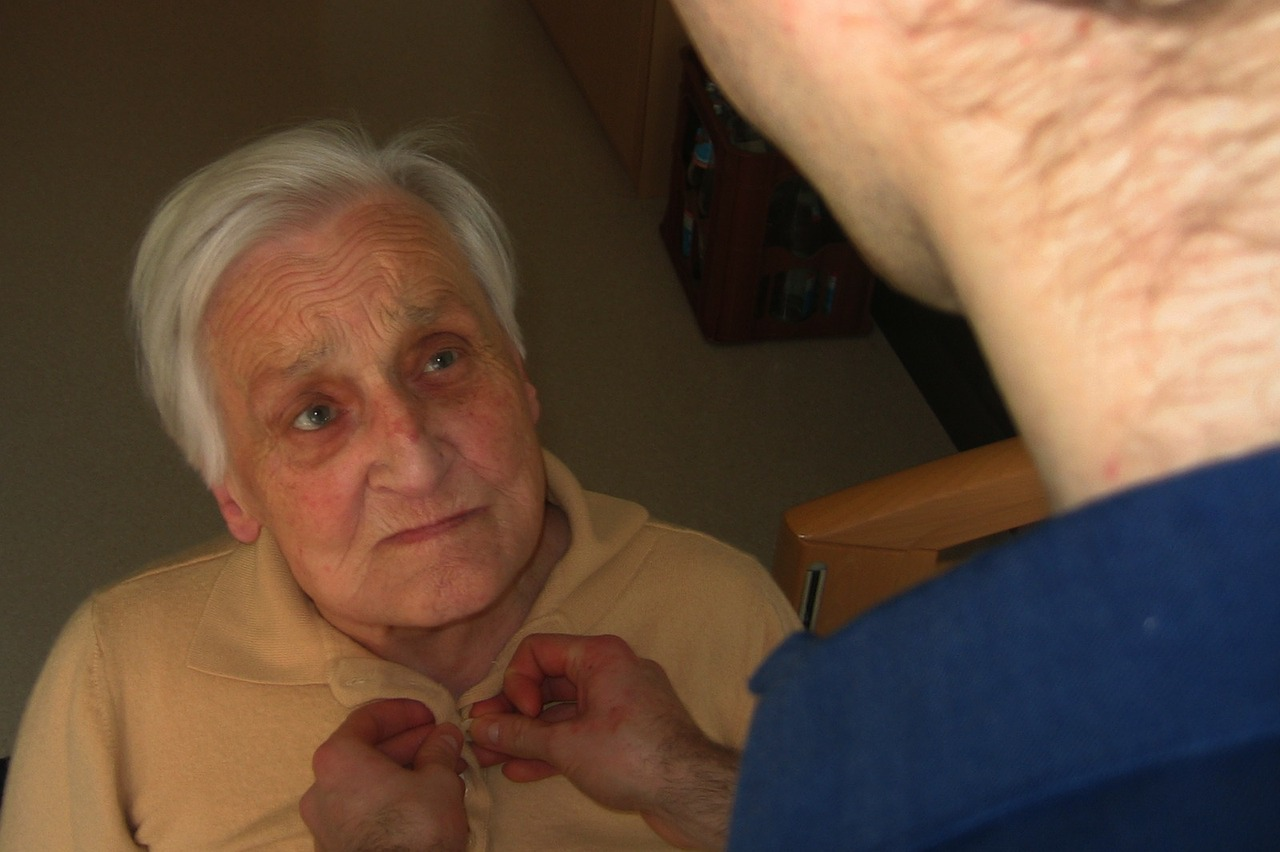Anziano con Parkinson