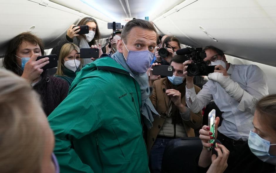 Alexei Navalny arrestato appena sceso dall'aereo