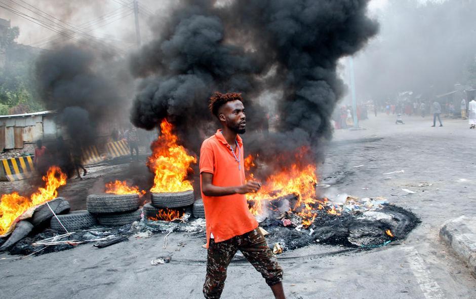 Mogadiscio - Somalia - Proteste contro la polizia