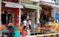 Covid-19 - In India riaprono i negozi